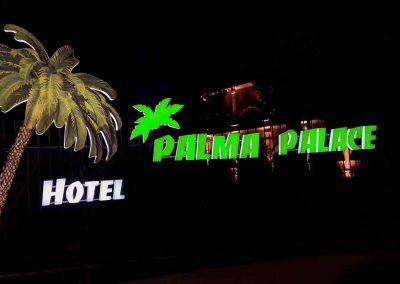 outdoor illuminated channel letters