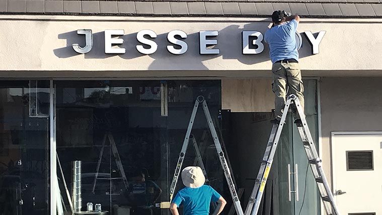 Channel letters with illumination