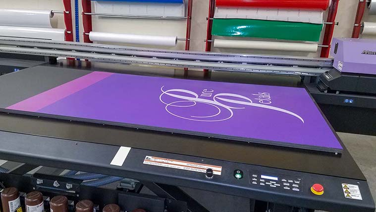 Printing directly on a Gatorboard with premium UV inks
