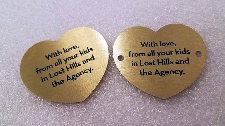 Unique gift with heart-shaped Aluminum Signs and warm wishes