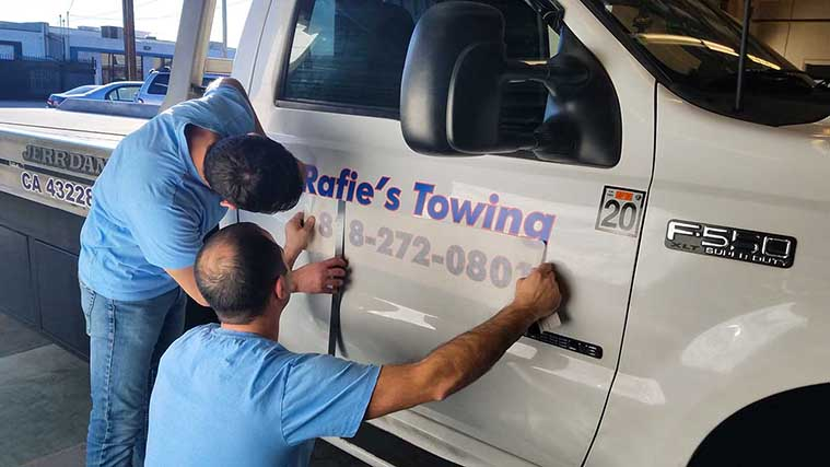 Installation process of a Vehicle Wrapping Printed on Opaque Vinyl