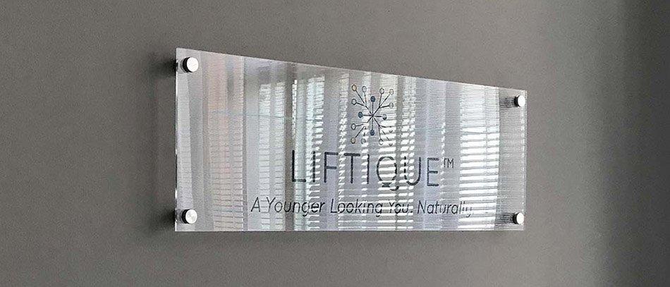 LIFTIQUE acrylic plaque - Front Signs
