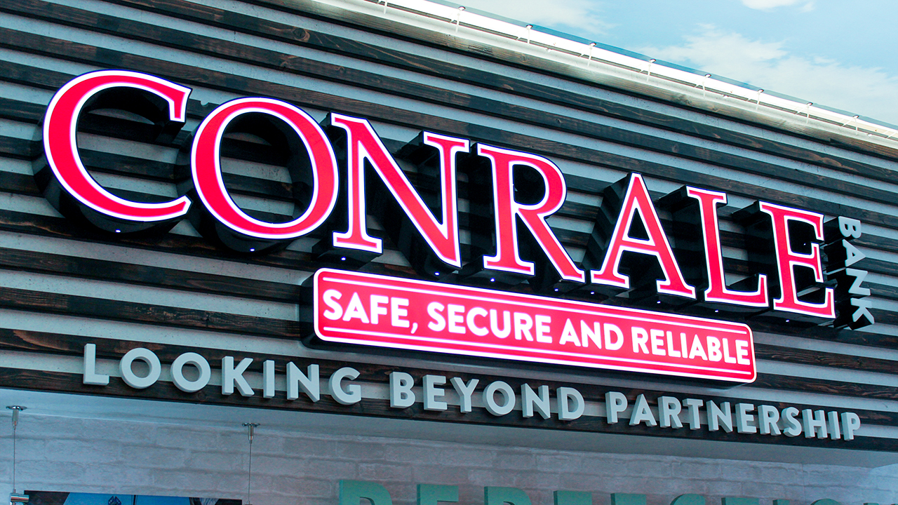 CONRALE Bank channel letters neon sign