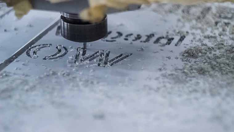 cutting letters on aluminum