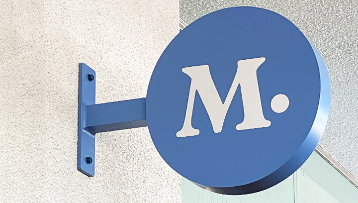 Modern Animal indoor light box sign in blue color made of aluminum and acrylic