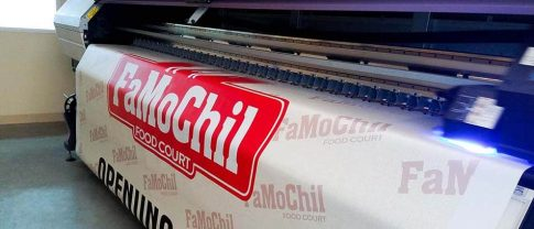FamoChil wide format banner printing - Front Signs