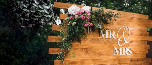 Mr & Mrs wooden stand for wedding with acrylic letters