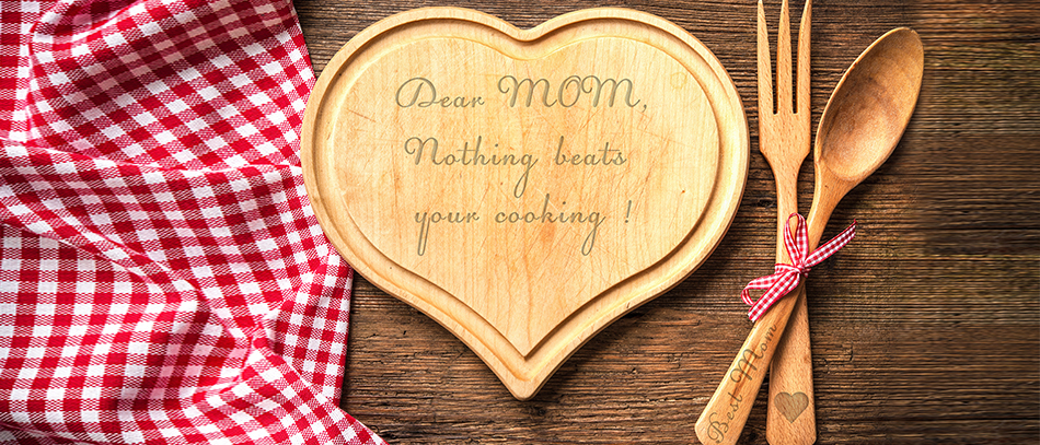 heart shaped wooden board for mothers