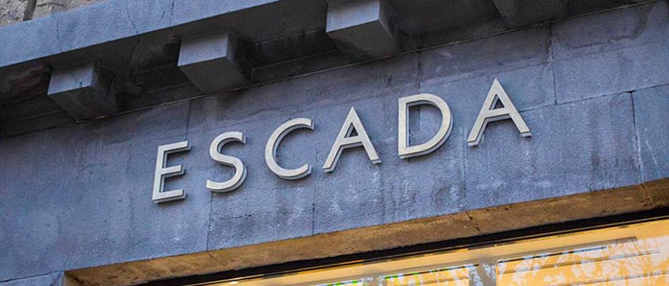 escada non-illuminated 3D channel letters