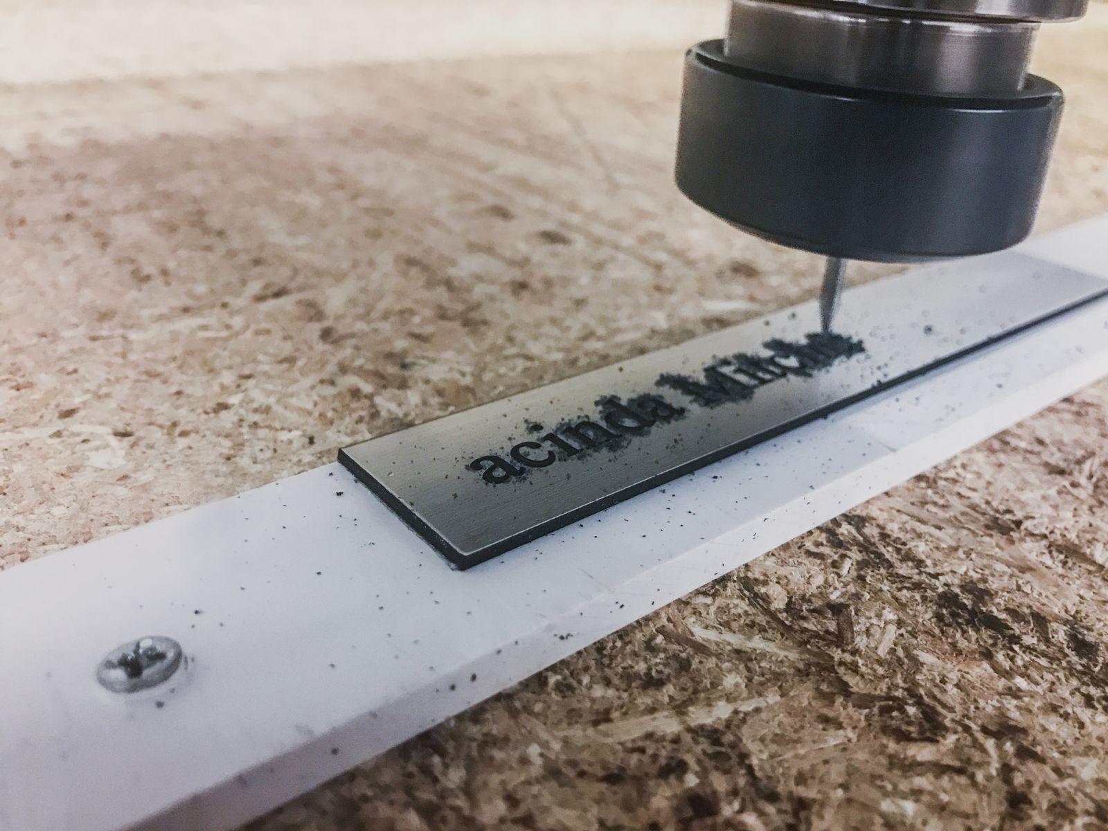 Dibond engraving process