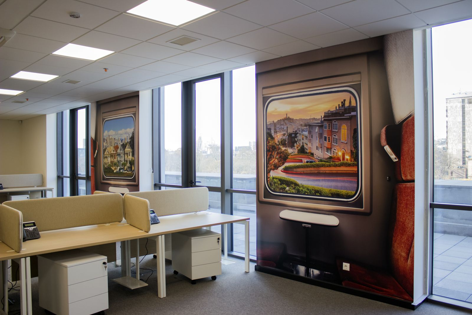decorative interior wall signs with beautiful city scenery made of opaque vinyl