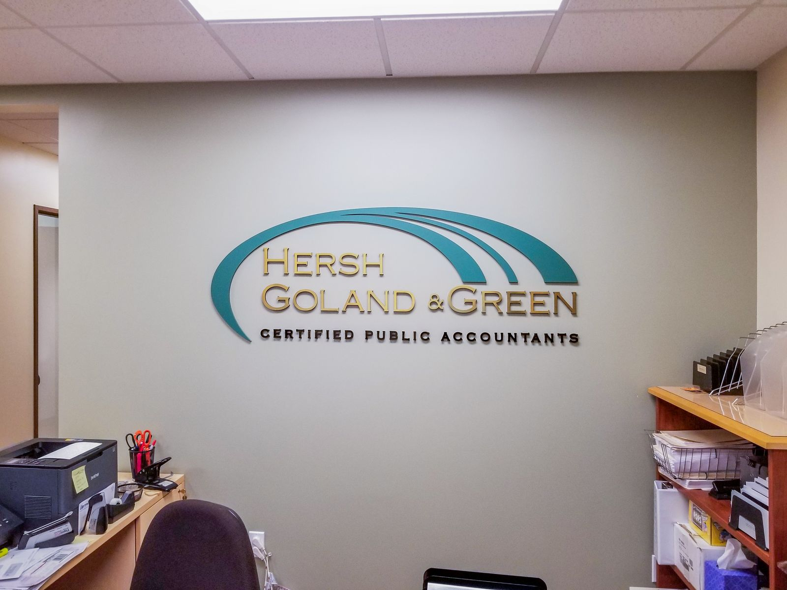 Hersh Goland & Green accountants' 3d acrylic letters and logo for lobby branding