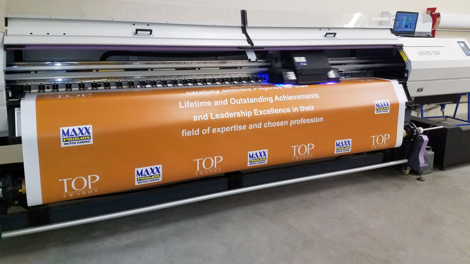 Vinyl banner printing with UV