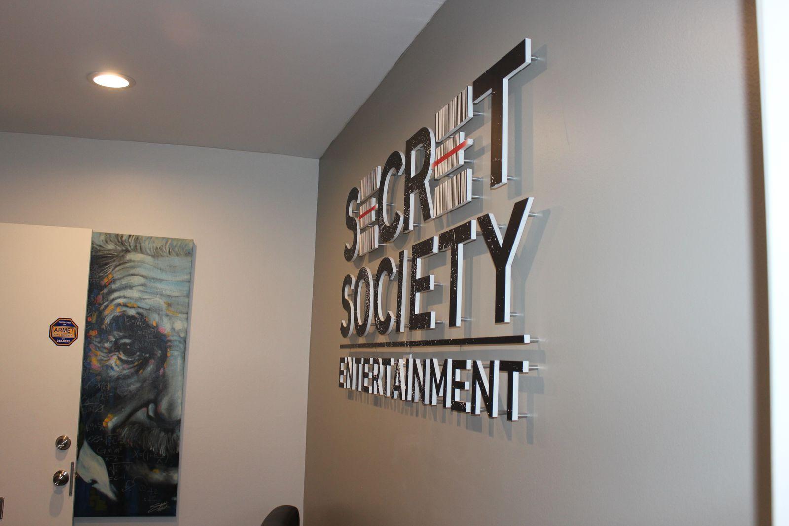 acrylic indoor signs