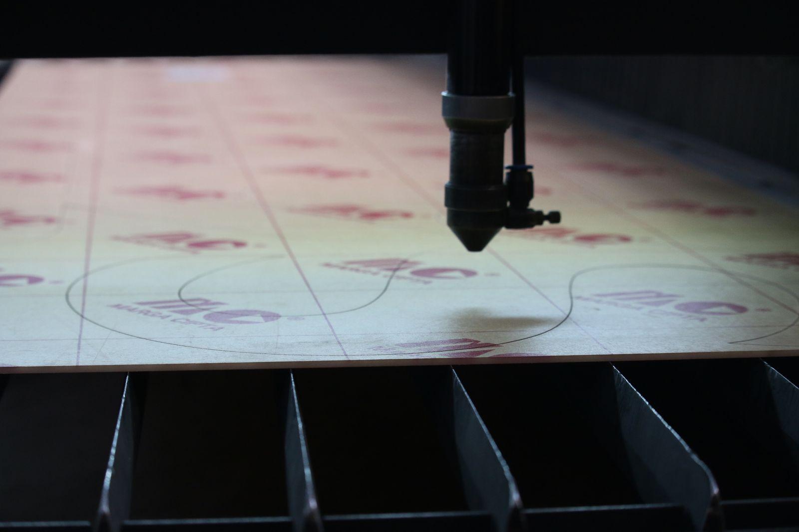 acrylic material cutting