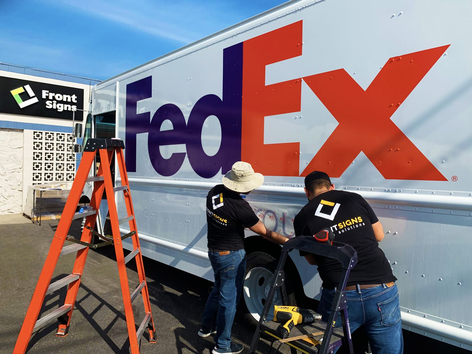 fedex vehicle wrap installation