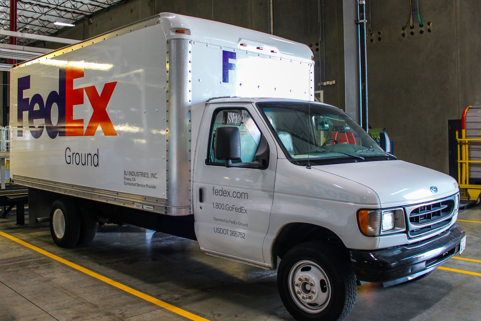 fedex vehicle wrap