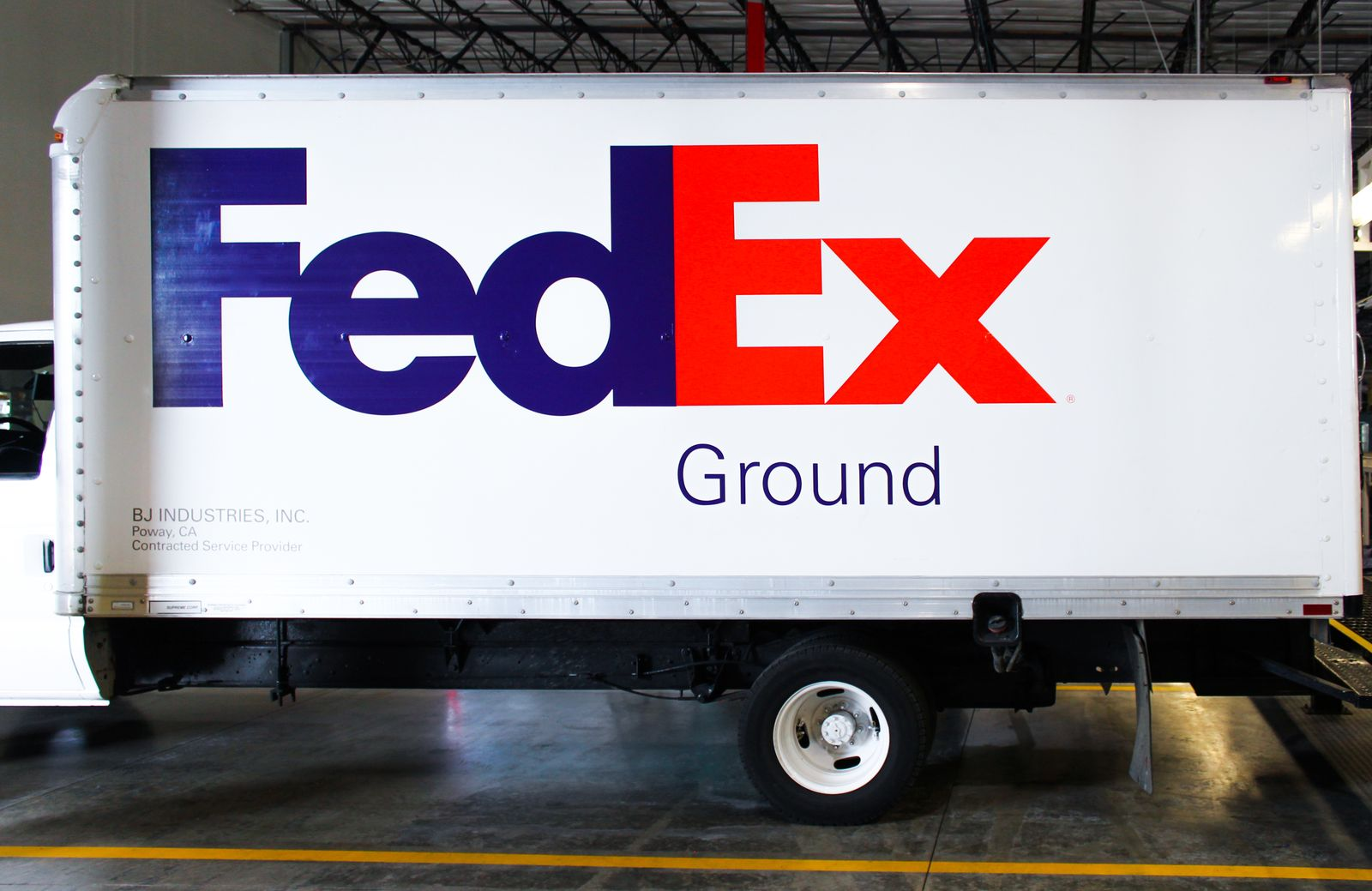 vehicle wrap for fedex