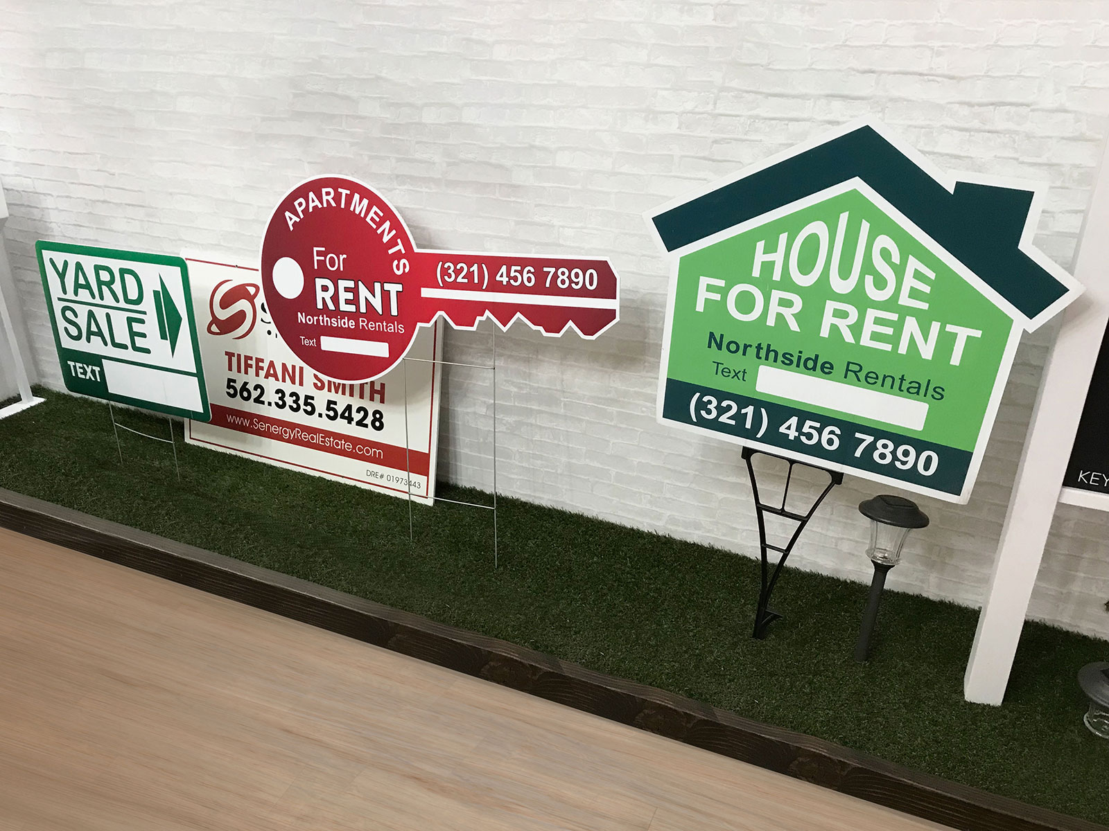 yard stand signs