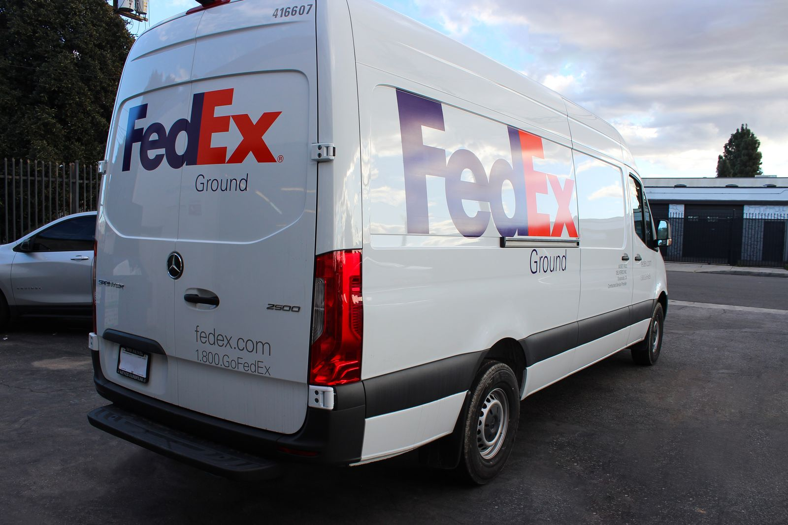 fedex vehicle wrapping