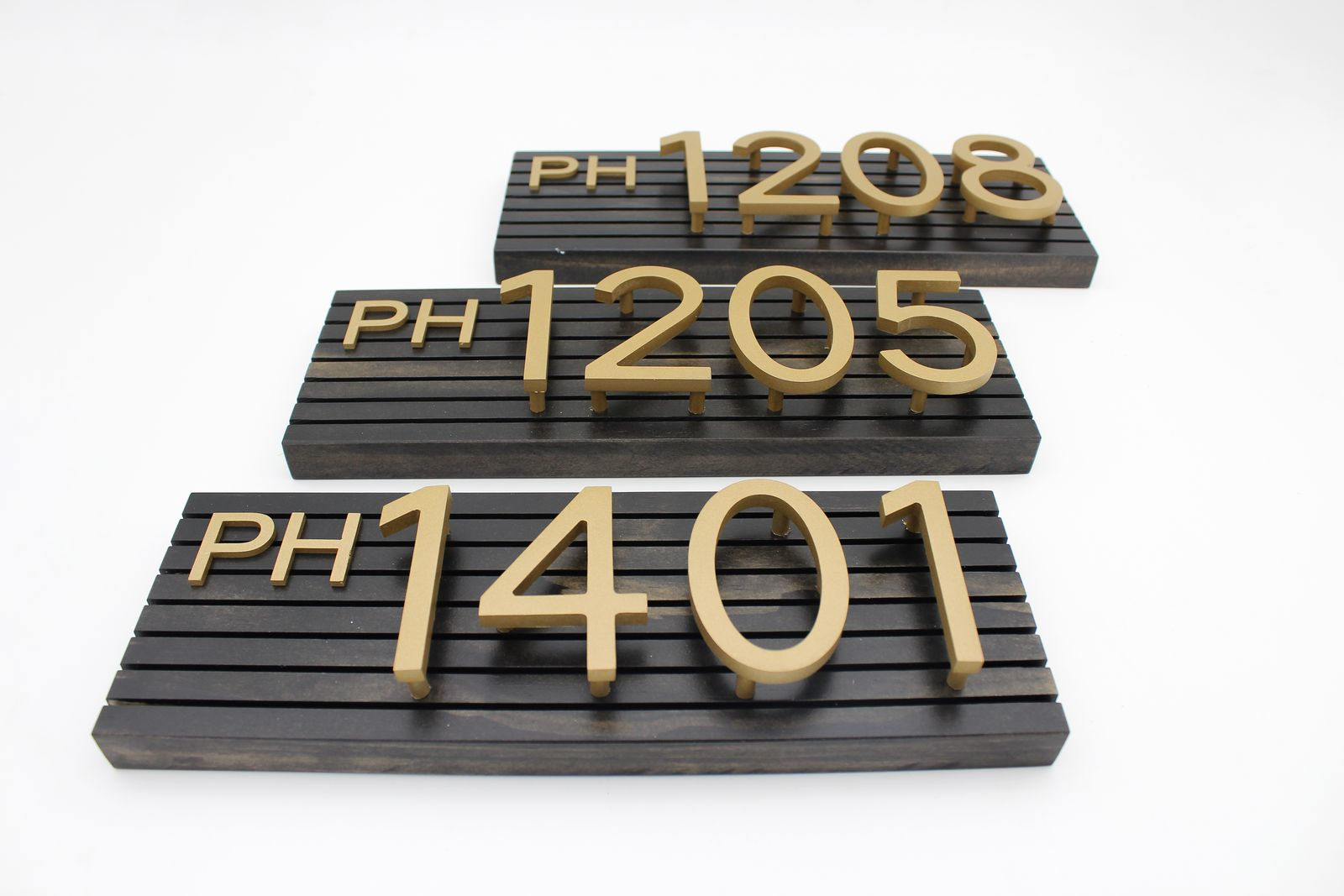 wood and aluminum numbers