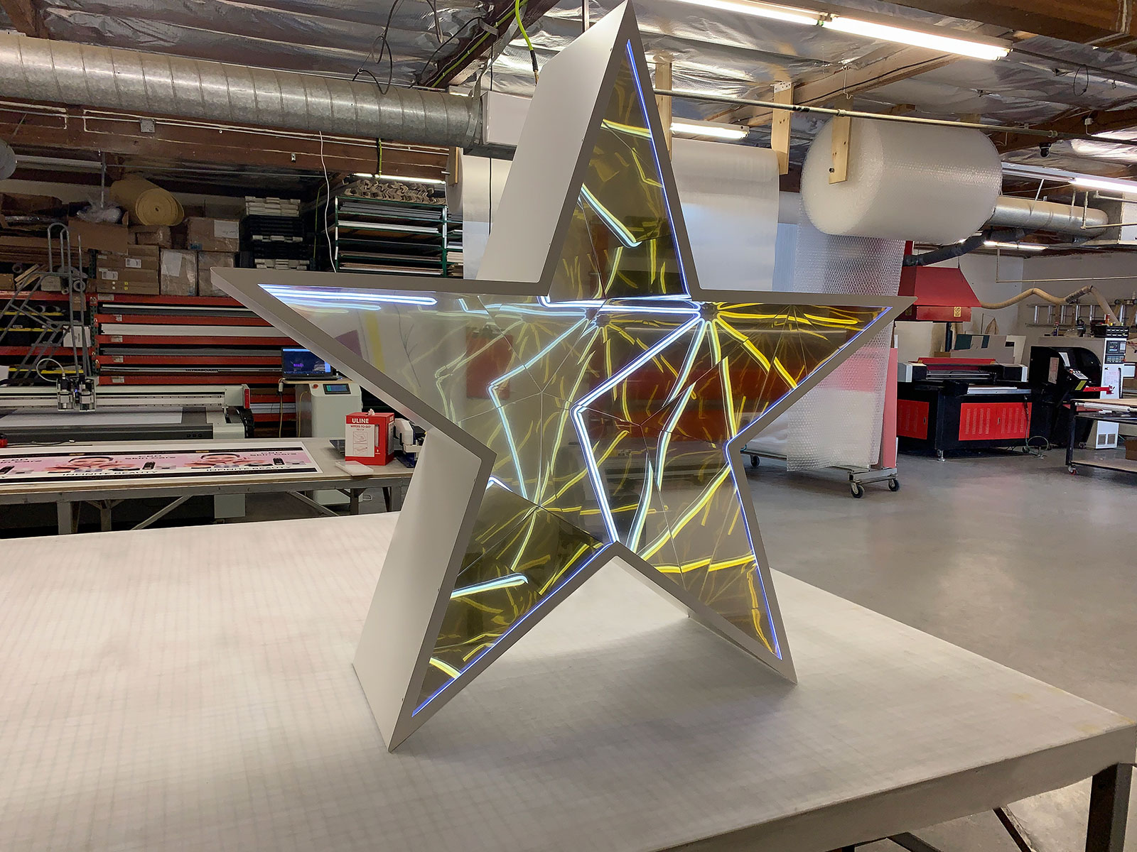 aluminum star sign