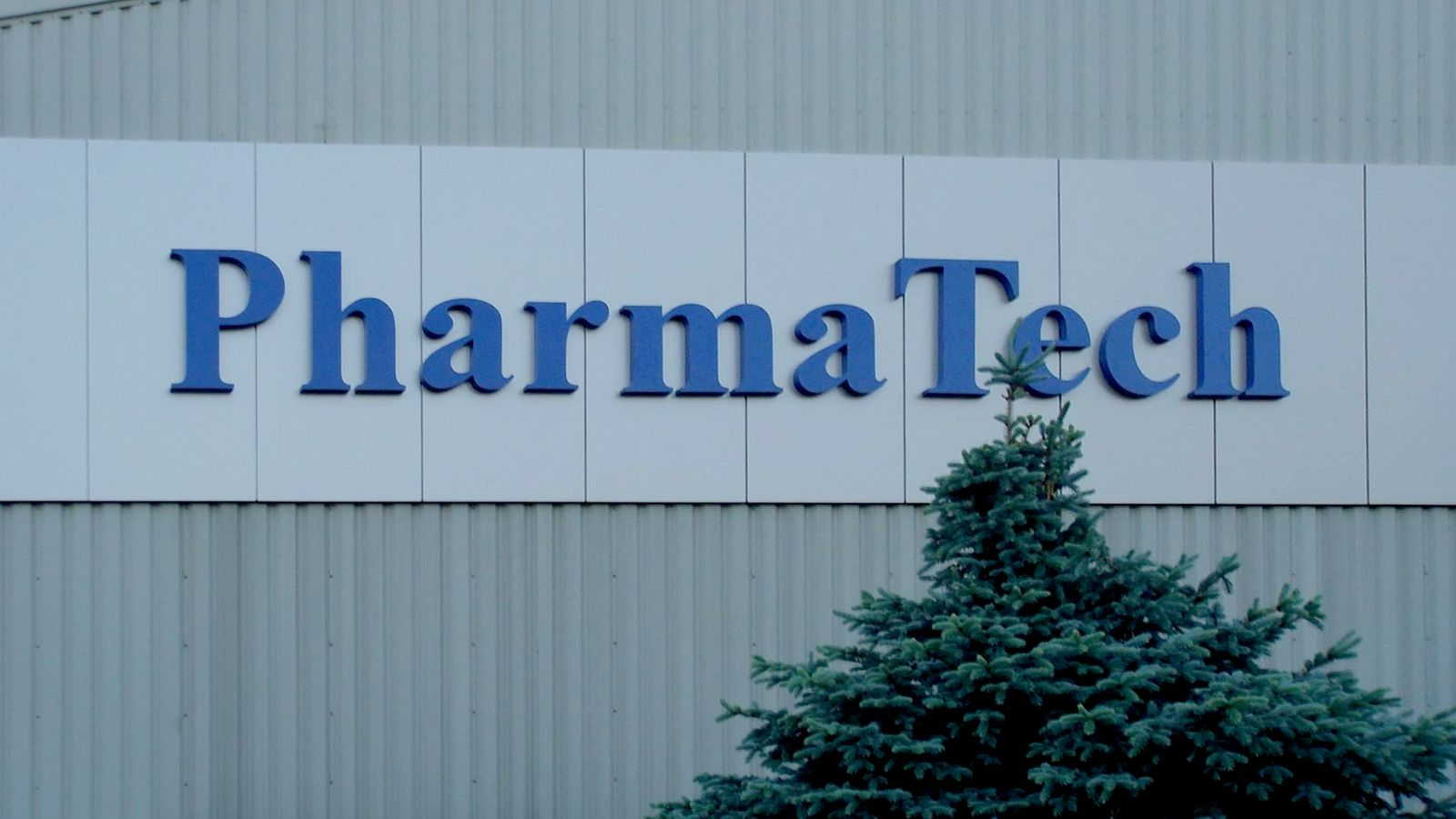 Pharma Tech 3d sign in a huge size displaying the brand name made of aluminum and acrylic for corporate branding outdoors