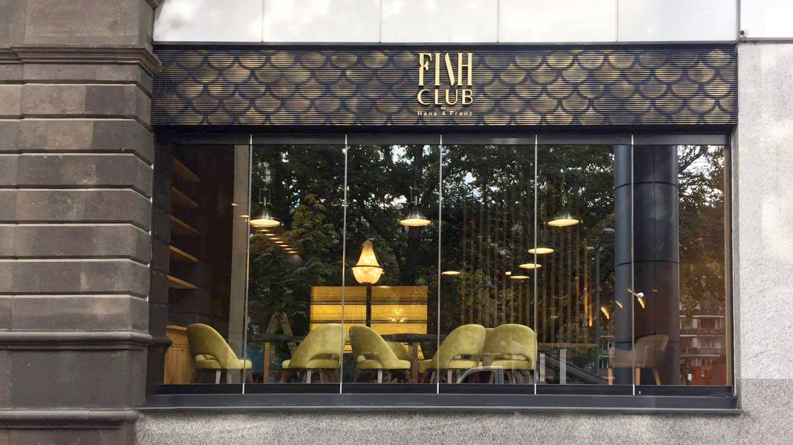 Fish Club by Hans and Franz 3d plastic letters with the company name made of PVC for restaurant outdoor branding