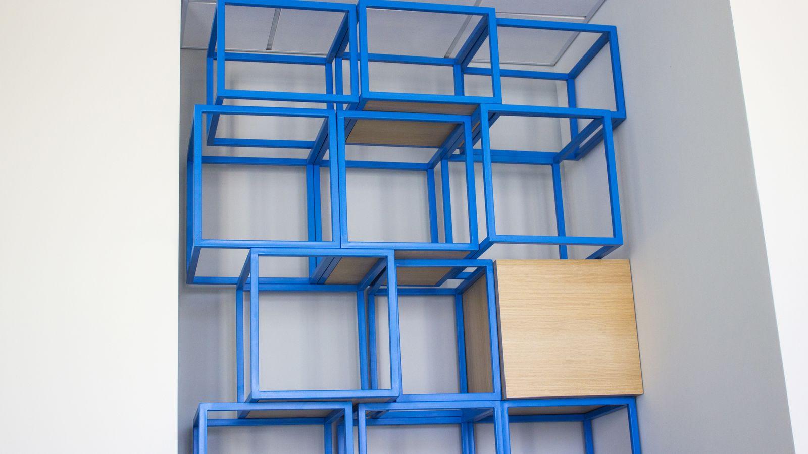 aluminum cube signs
