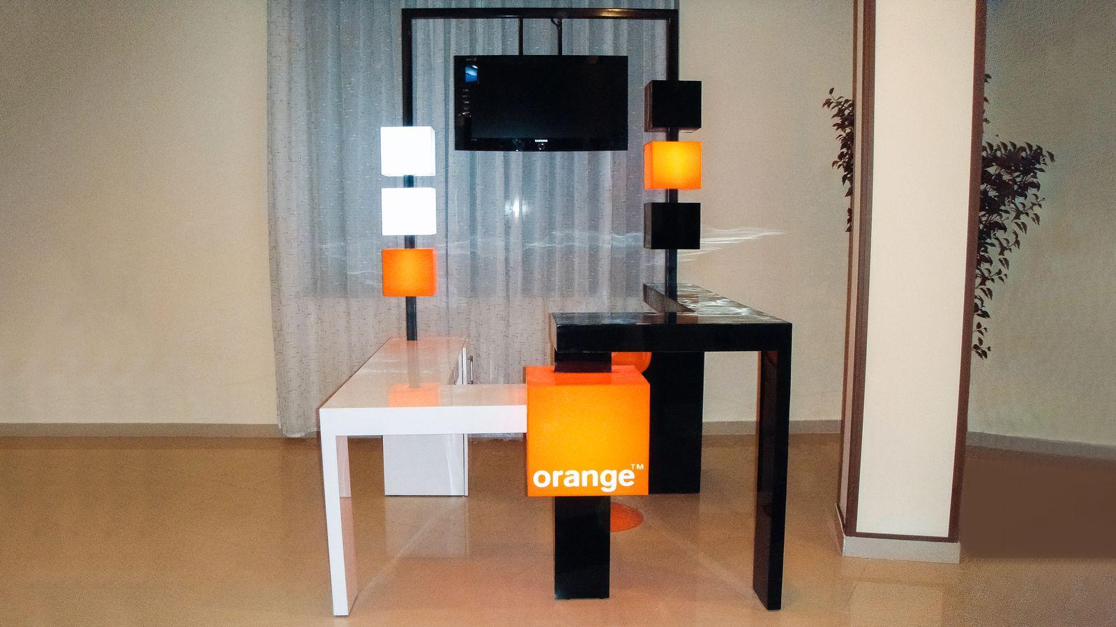 decorative illuminated table
