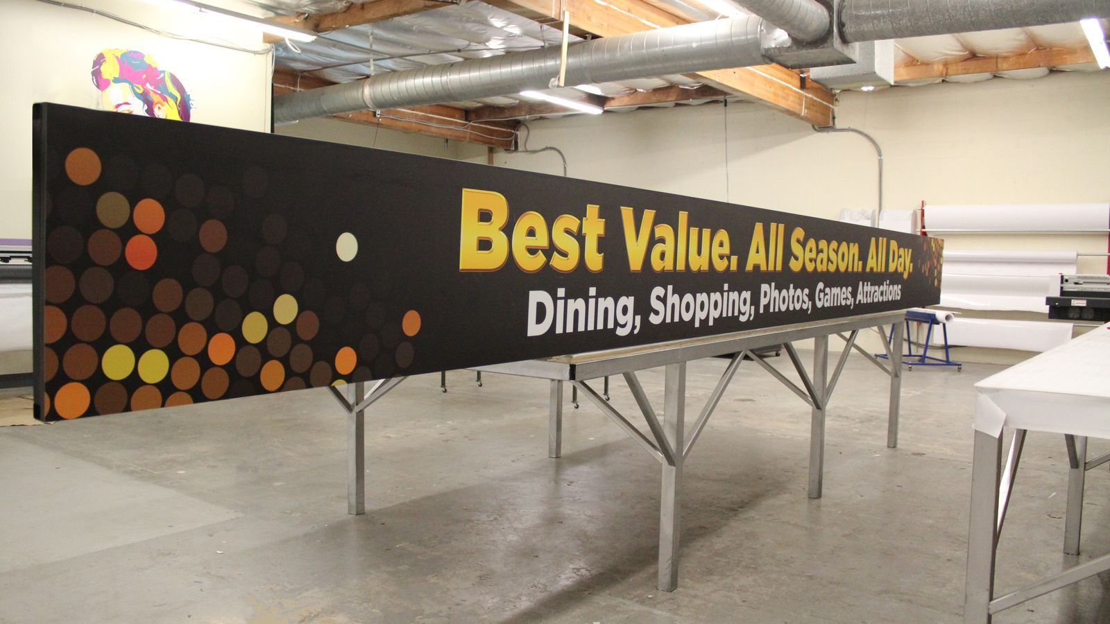 long promotional aluminum sign