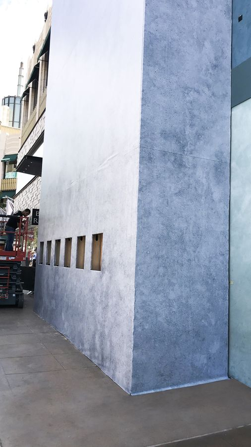vinyl banner installation
