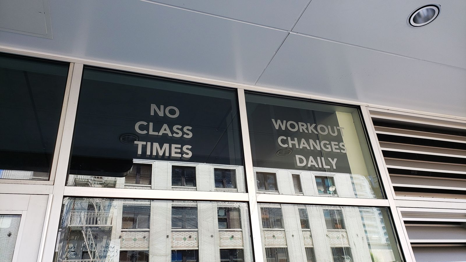 window vinyl lettering