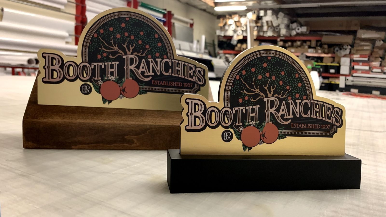 Booth ranches tabletop stand