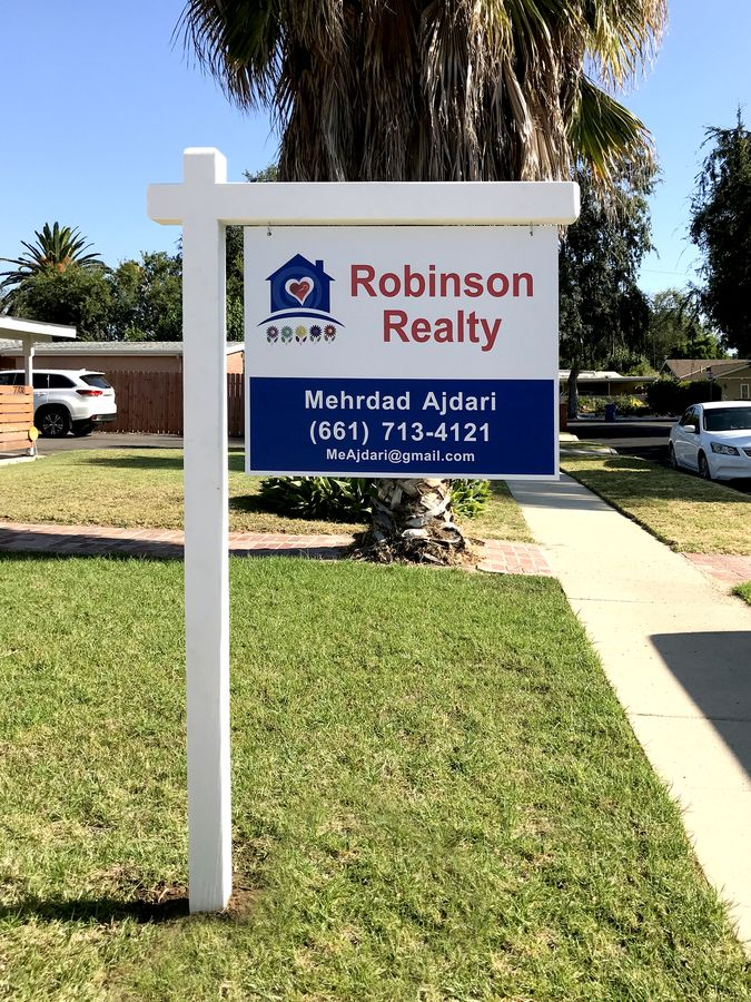 robinson realty hanging sign