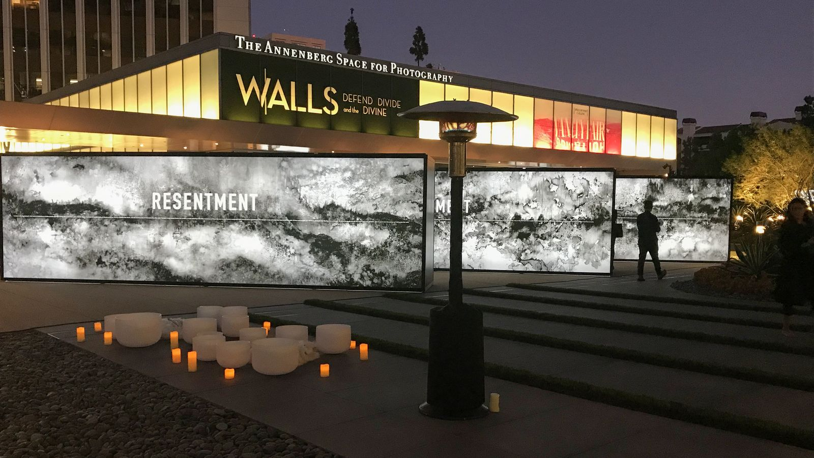 led illuminated lightbox walls