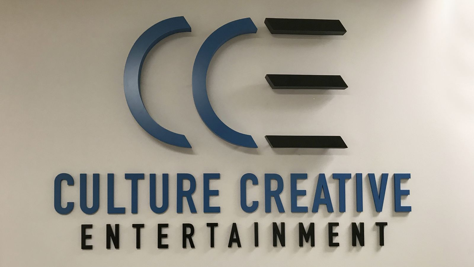 Culture Creative Entertainment backlit 3d sign letters painted made of aluminum and acrylic for office interior branding