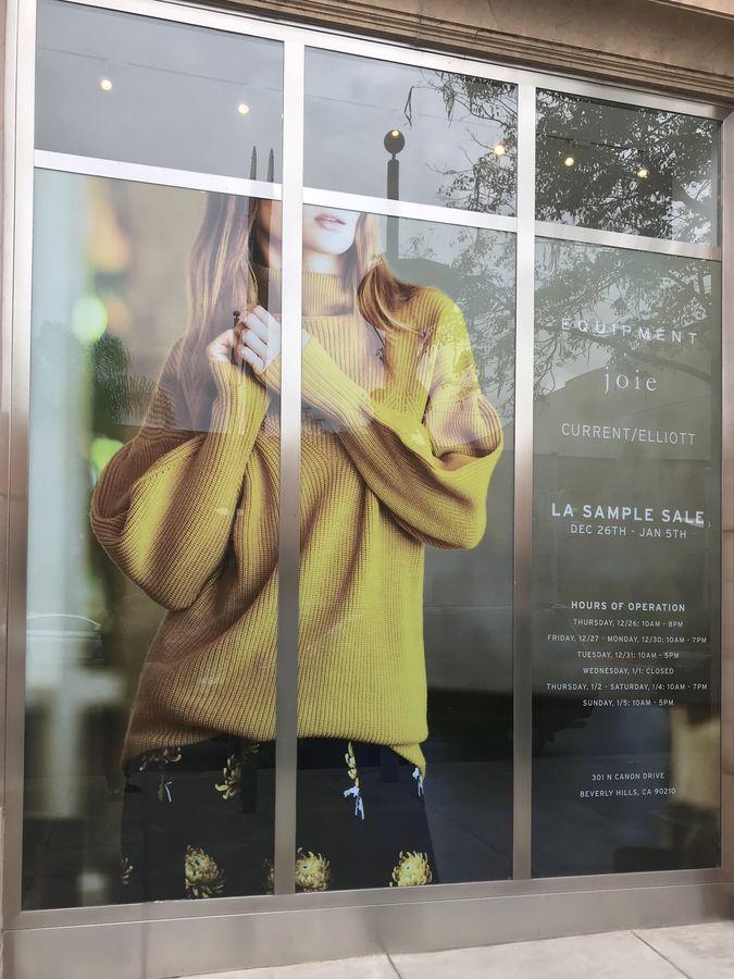 Joie window cling