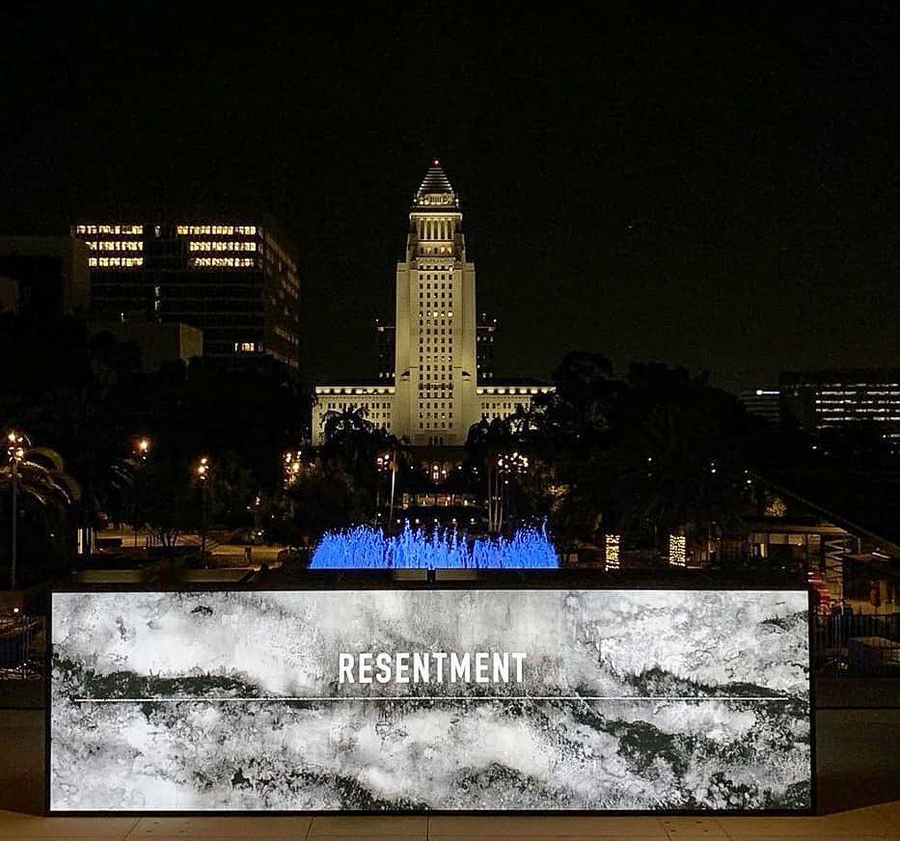 Annenberg event venue with illuminated stand-Frontsigns