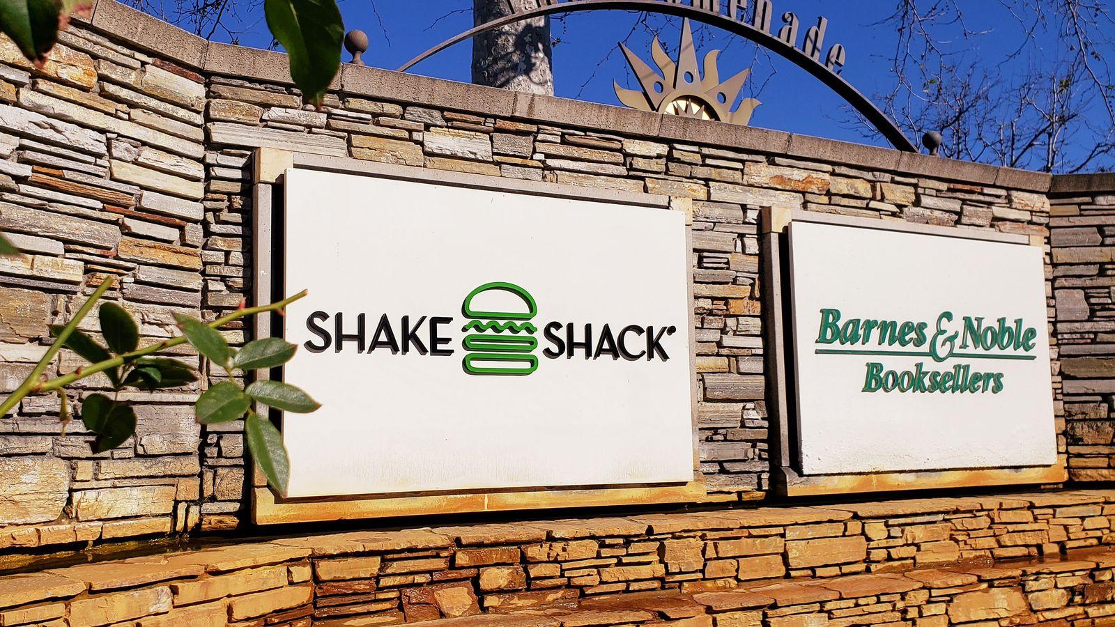 Shake Shack exterior sign