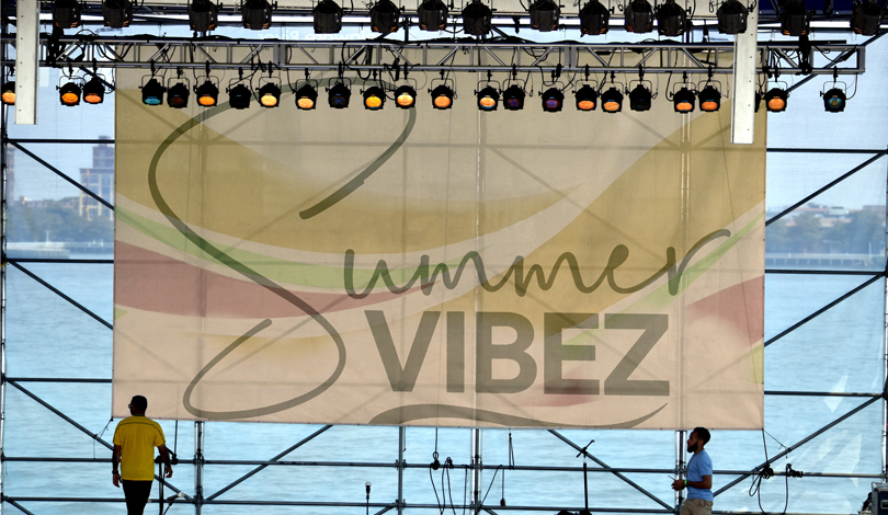 Summer Vibez music event hanging banner example