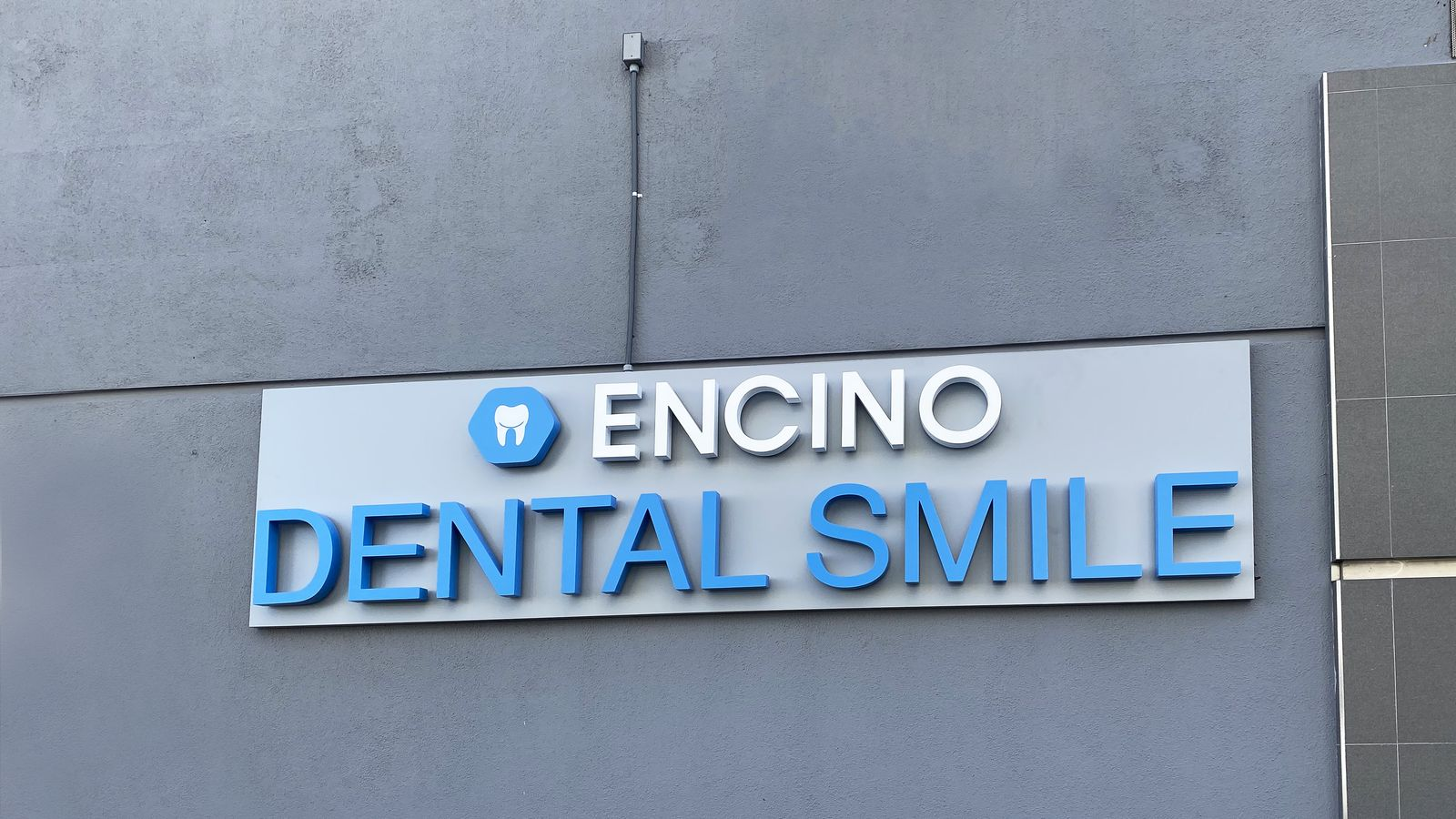 Encino light up sign