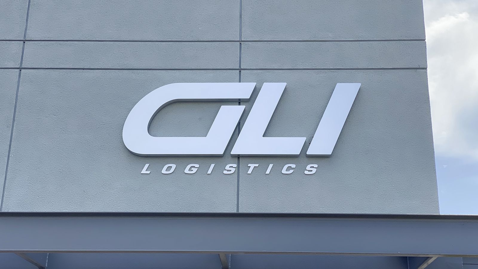 GLI Logistics 3d sign in a big size displaying the brand name made of aluminum and acrylic