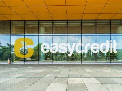 Easy Credit exterior design idea