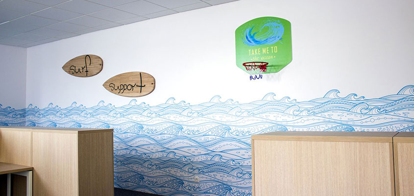 Fun sport style corporate office wall design elements