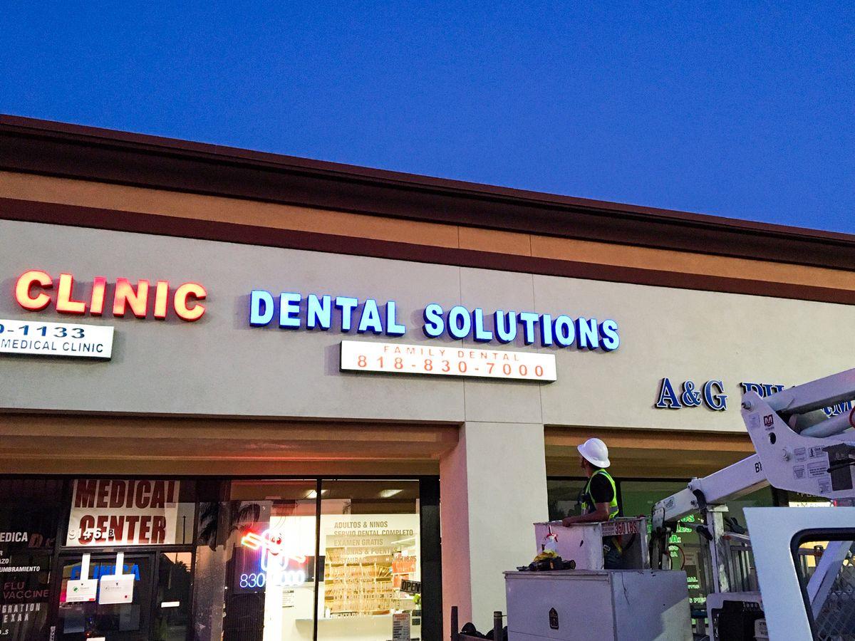 Dental solutions lightboxes