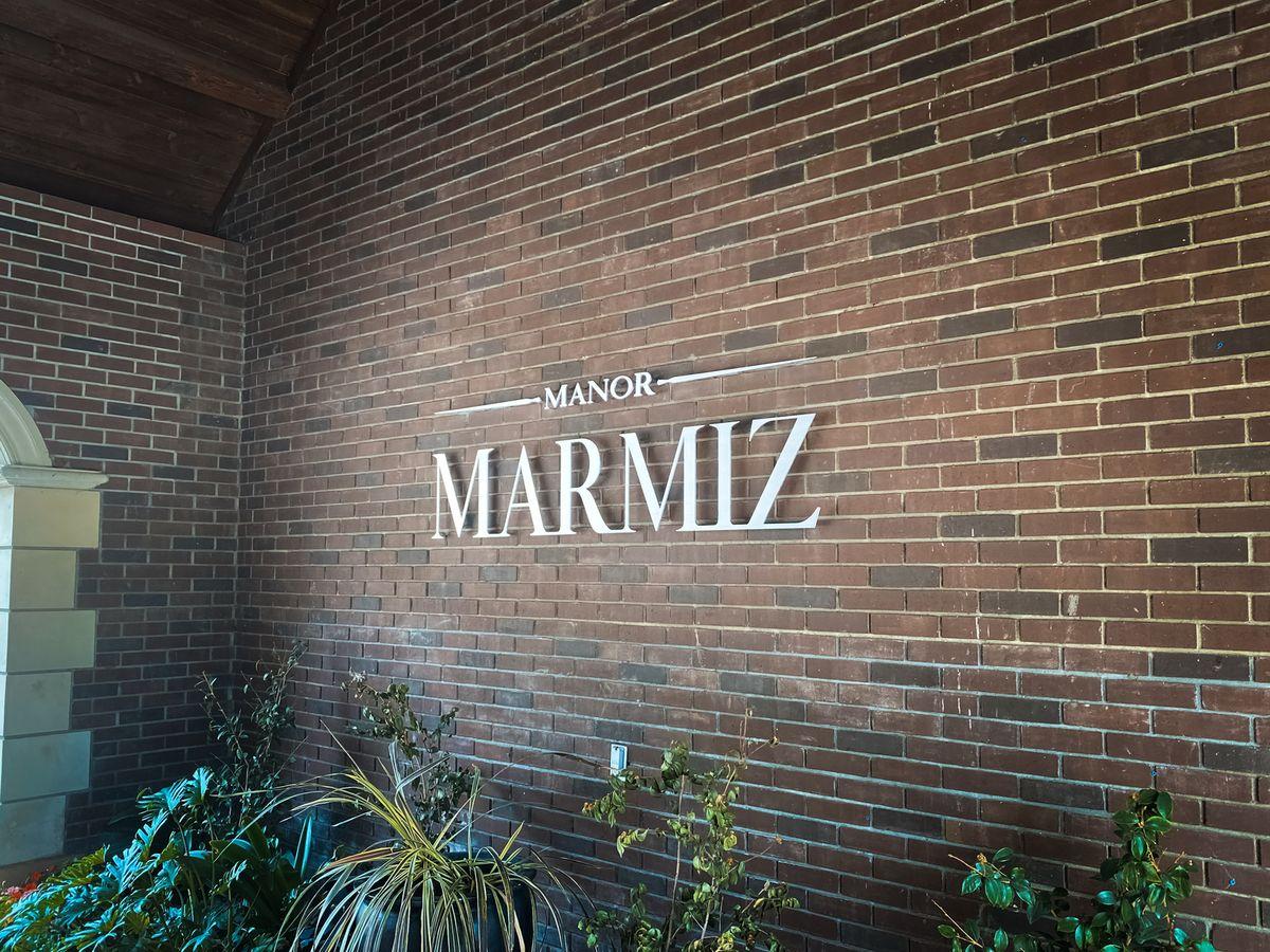 Manor Marmiz aluminum letters