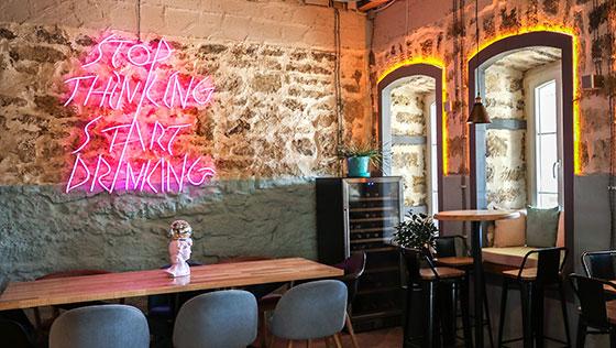 cool illuminated restaurant bar wall design concept