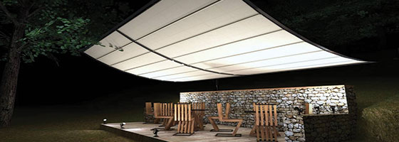 restaurant exterior seating area design idea with a tent