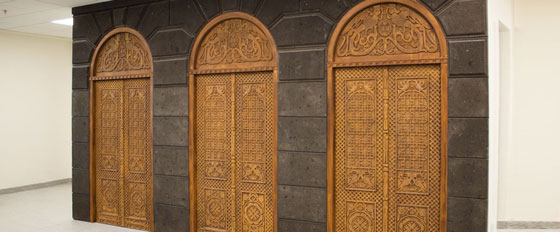 wooden engraved door idea